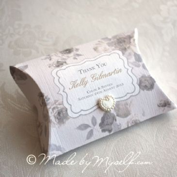 Vintage Floral Pillow Box Favour - supplied empty ready to be filled